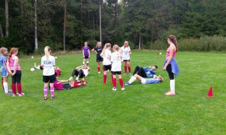 Sarpsborg 08 spillere besøkte jentelaget